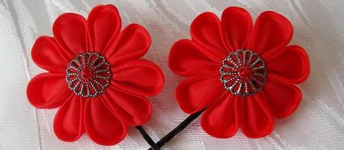 заколка канзаши  Цветы из лент канзаши –техника изготовления