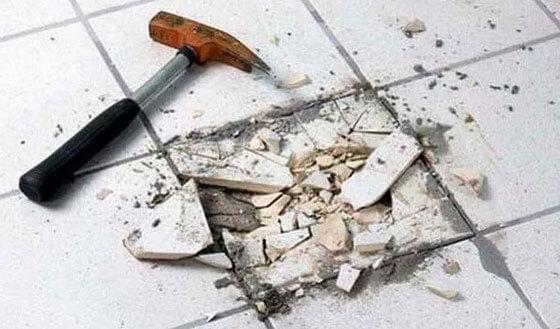 демонтаж напольной керамической плитки